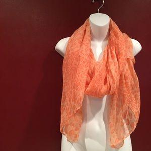 💥4 for $25💥 Orange Animal Print Scarf. NWT